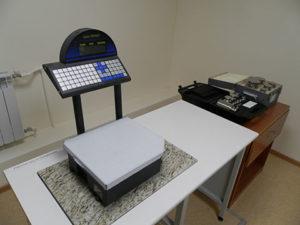 процесс поверки весов